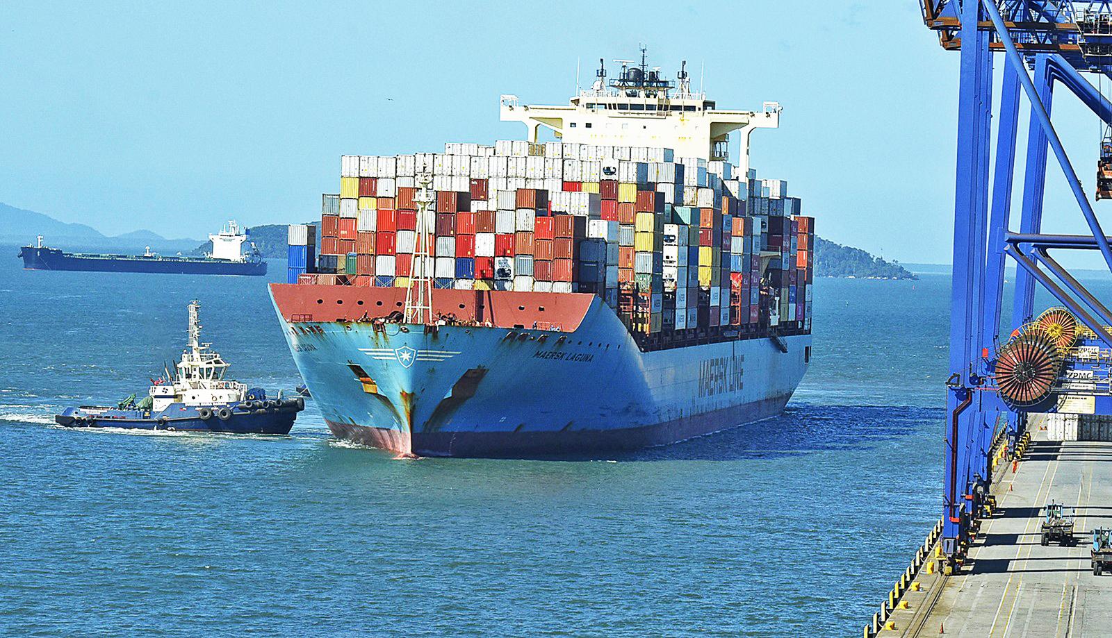 navio porto