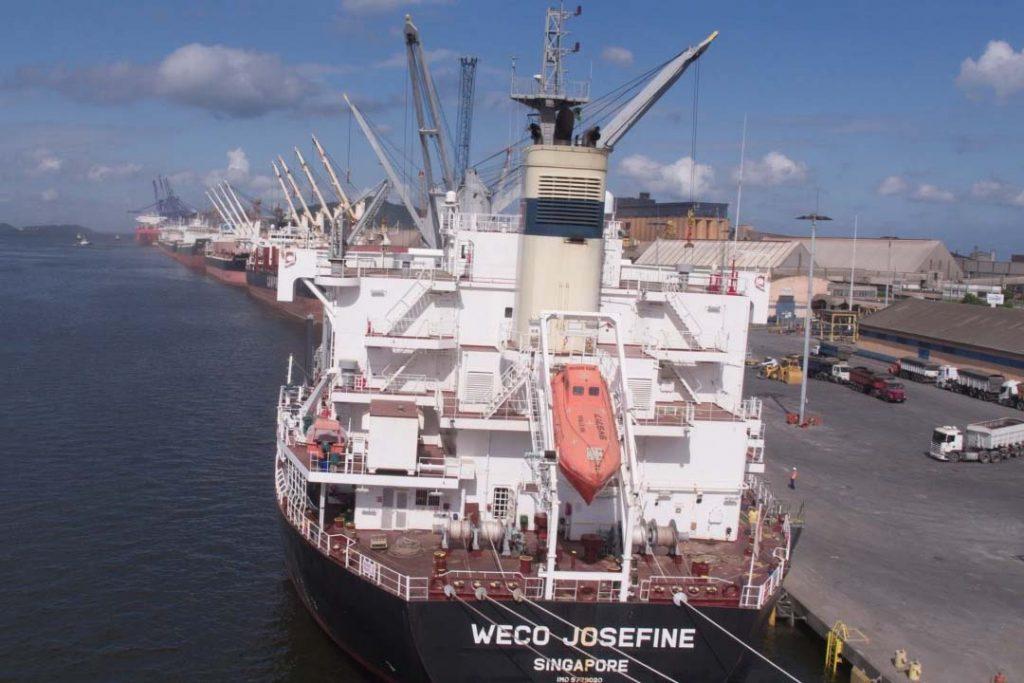 União renovou nesta semana com o Governo do Estado o Convênio de Delegação para a exploração dos portos de Paranaguá e Antonina. Documento, de 11 dezembro de 2001, venceria apenas em 2026.
