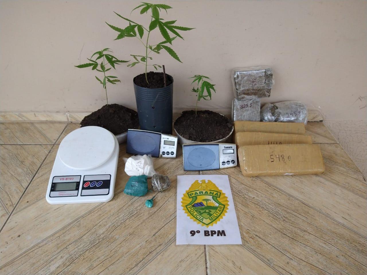 Polícia Militar apreende mais de 2 quilos de maconha