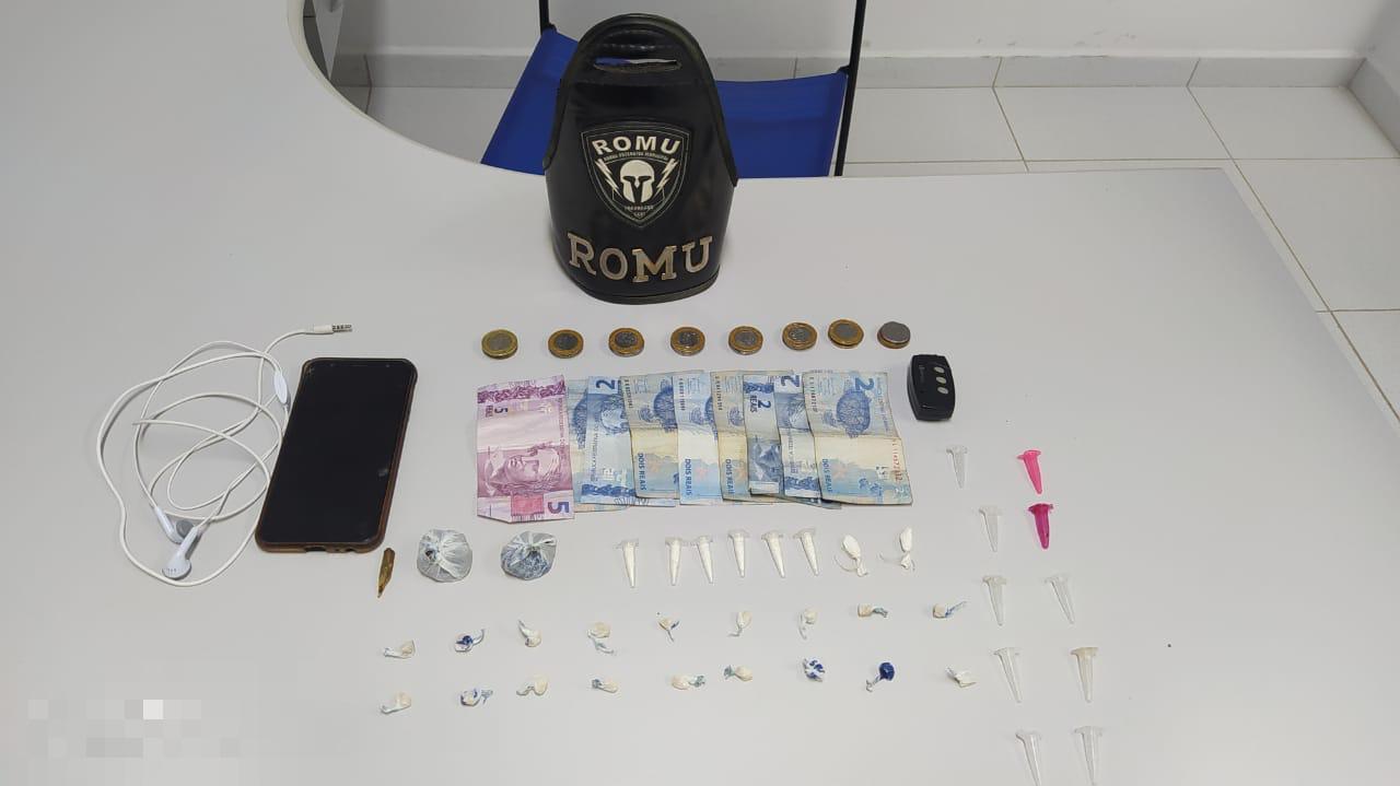 ROMU apreende drogas e máquinas caça-níqueis na Ponta do Caju