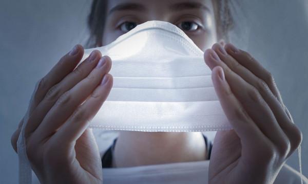 Uso de máscaras, camisas e adesivos de candidatos é permitido