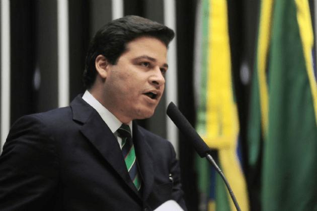 Justiça determina direito de resposta ao secretário Sandro Alex após rádio divulgar informações erradas sobre pedágio