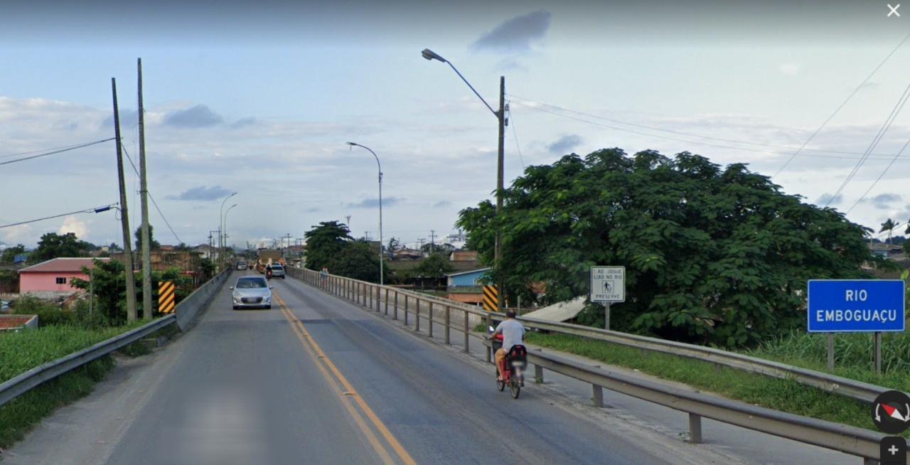 """Tráfego na ponte sobre o Rio Emboguaçu será no sistema """"Pare e Siga"""" no fim de semana"""