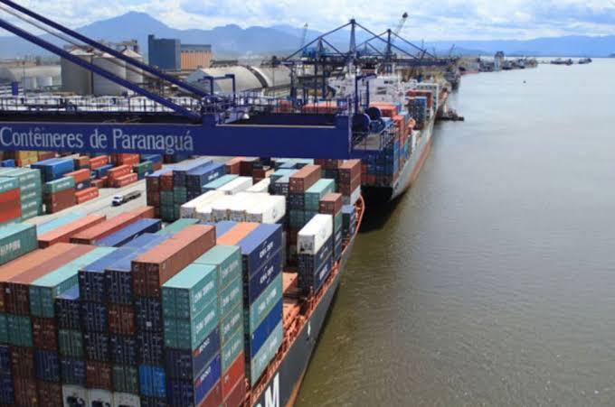 Ibama autua empresa por exportação de produtos perigosos sem atender aos trâmites da Convenção de Basiléia