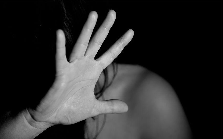 Homem que tentou atropelar a ex-namorada em Paranaguá é denunciado pelo MPPR por tentativa de feminicídio
