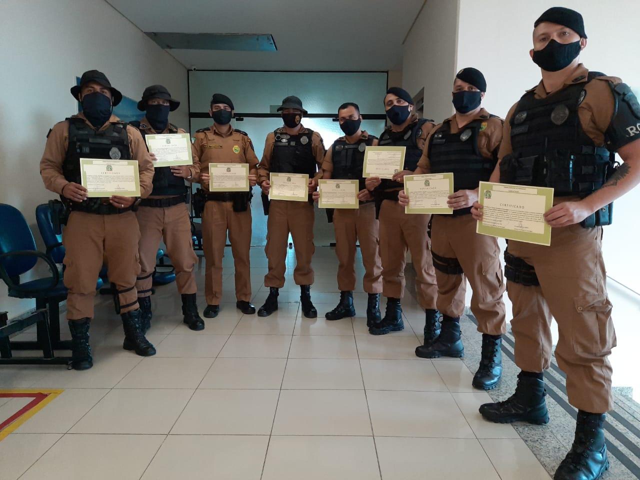 Policiais militares são homenageados na Câmara de Vereadores de Paranaguá