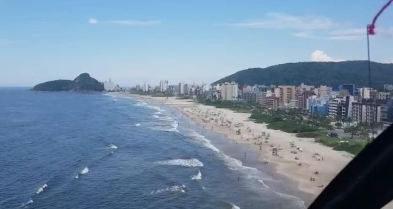 Praias cheias neste sábado de sol