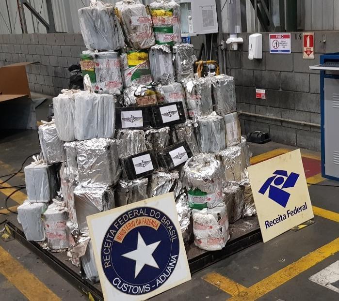 Receita Federal apreende mais de 575 Kg de cocaína no terminal de contêineres do Porto de Paranaguá