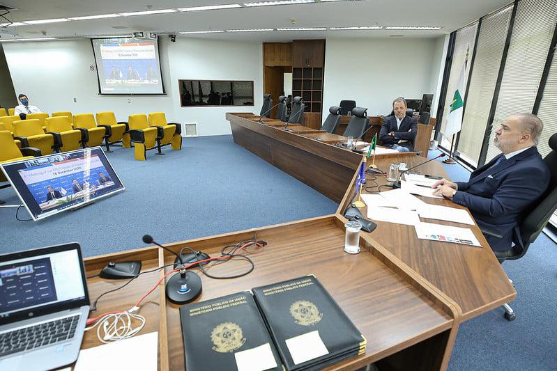 Combate ao uso das tecnologias de informação e comunicação para fins criminosos