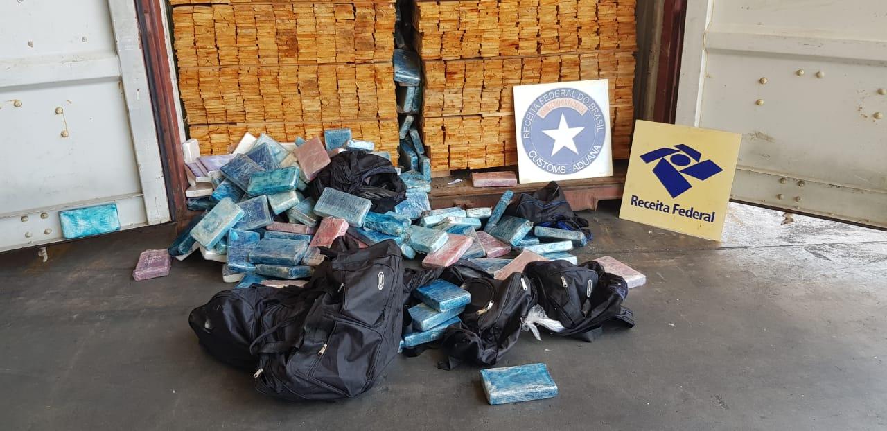 Receita Federal apreende 230 quilos de cocaína no terminal de contêineres do Porto de Paranaguá