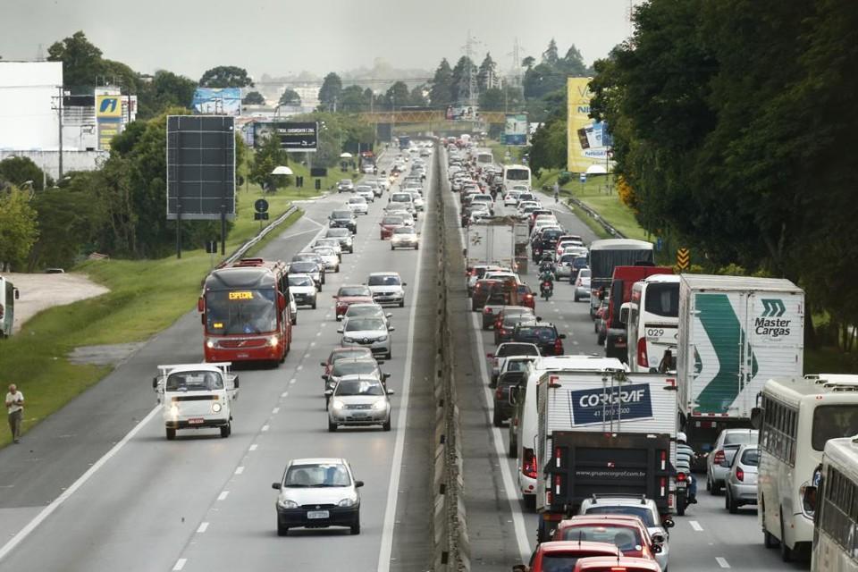 130 mil veículos devem seguir para o litoral no período do Ano-Novo