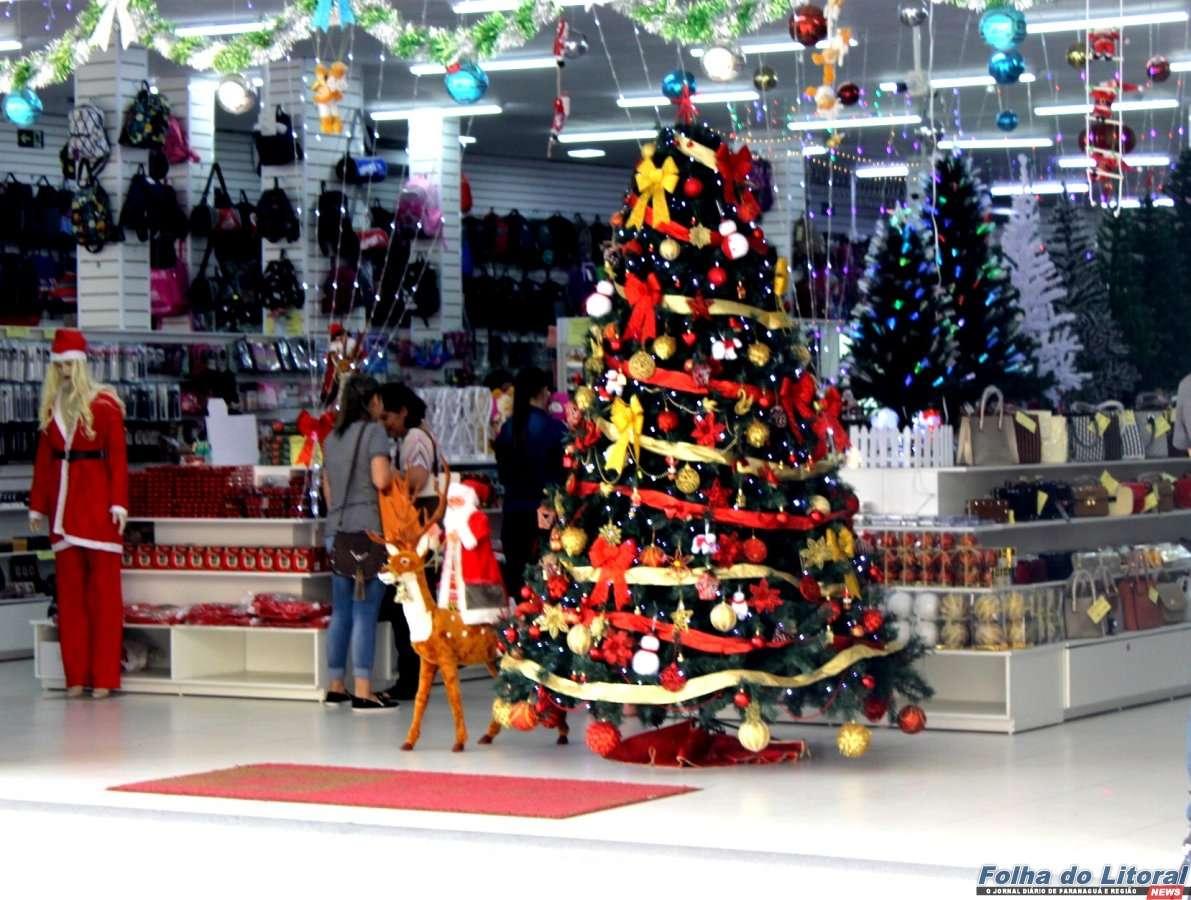 Comércio de Paranaguá ficará aberto das 9h às 18h na véspera de Natal