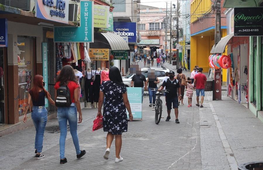 Comércio de Paranaguá tem horário diferenciado no fim de semana