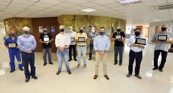 Empresa Portos do Paraná homenageia empregados mais antigos