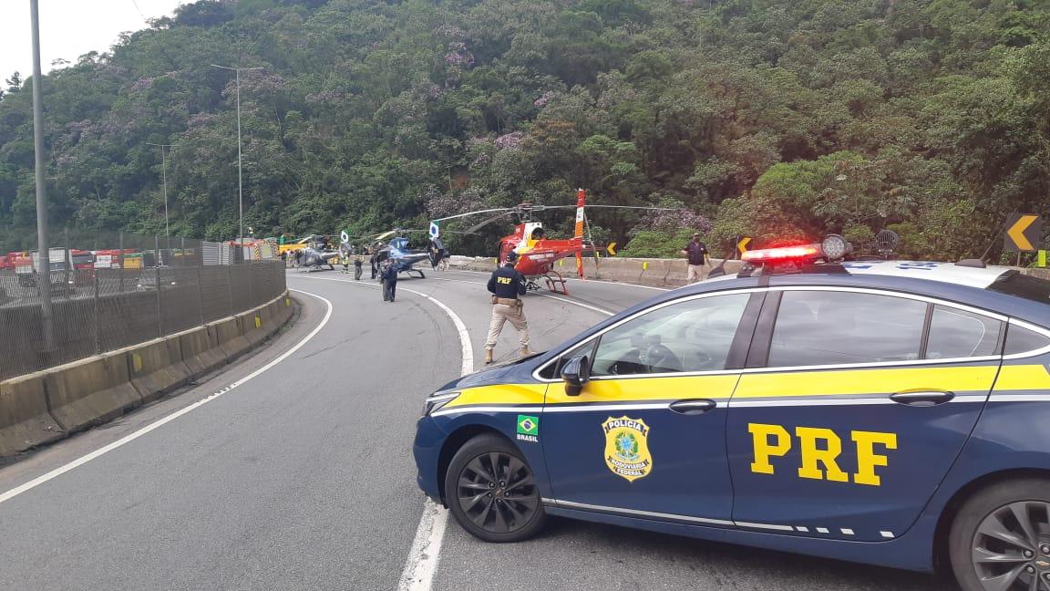PRF interrompe a pista por motivo do acidente