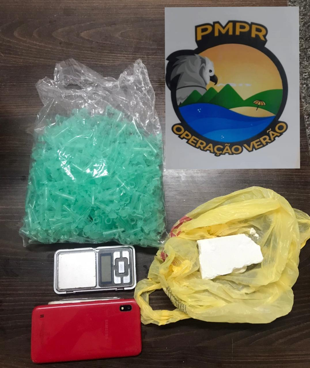 Confronto armado em Matinhos termina com apreensão de pasta base de cocaína