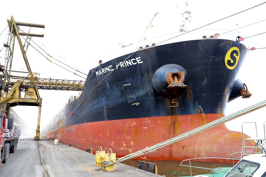 Biocombustível de bagaço de cana é exportado pelo Porto de Paranaguá