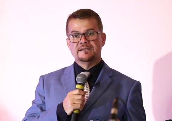 Marcelo Roque toma posse como prefeito reeleito de Paranaguá e anuncia secretariado