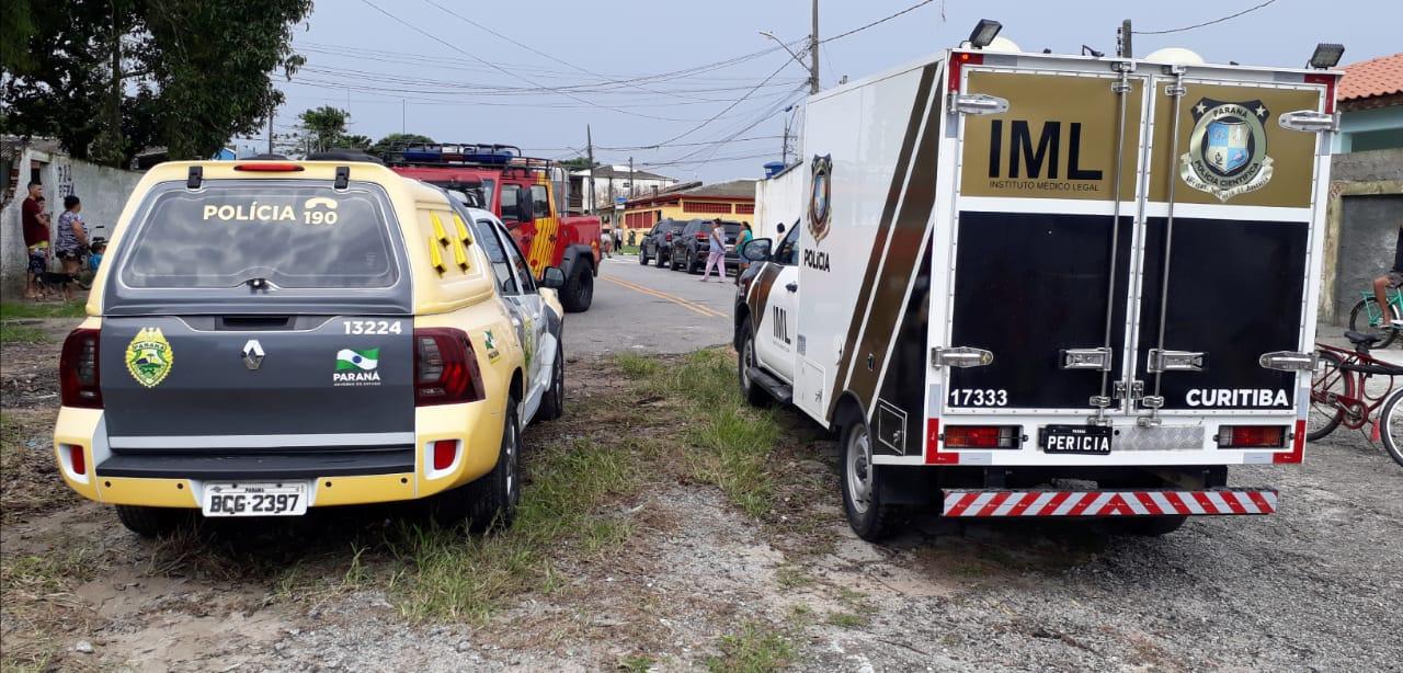 A área foi isolada e os policiais acionaram o IML – Instituto Médico Legal e Criminalística.