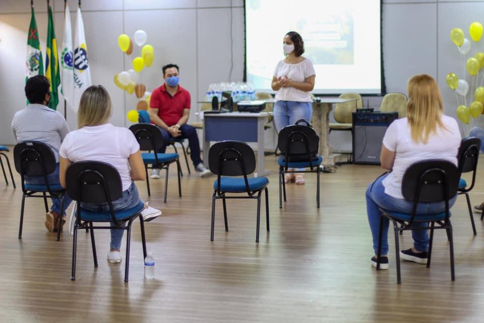 Secretária de Educação de Paranaguá dá boas-vindas à equipe