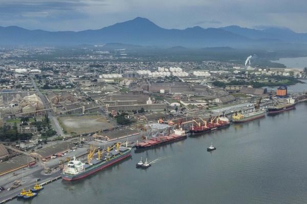 Empresa Portos do Paraná abre consulta para novos leilões