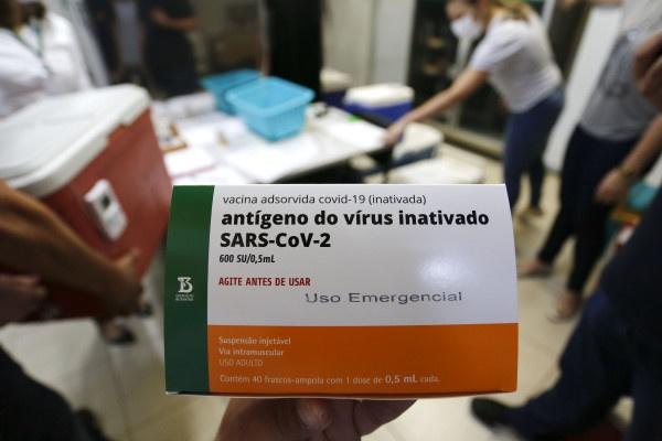 Esclareça dúvidas sobre a vacinação contra a Covid-19
