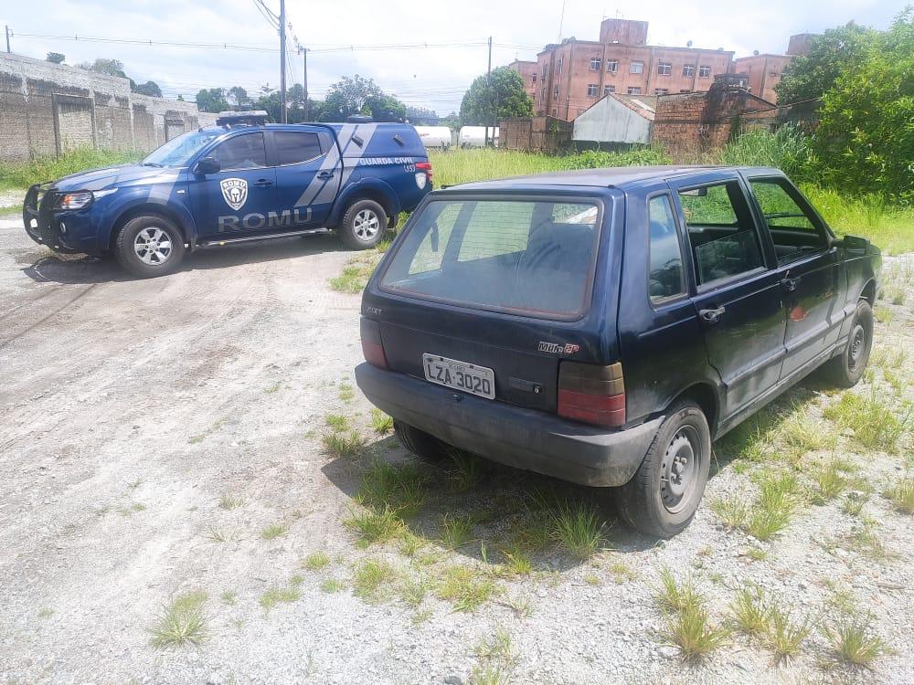 Carro usado no duplo homicídio é encontrado abandonado no Parque São João