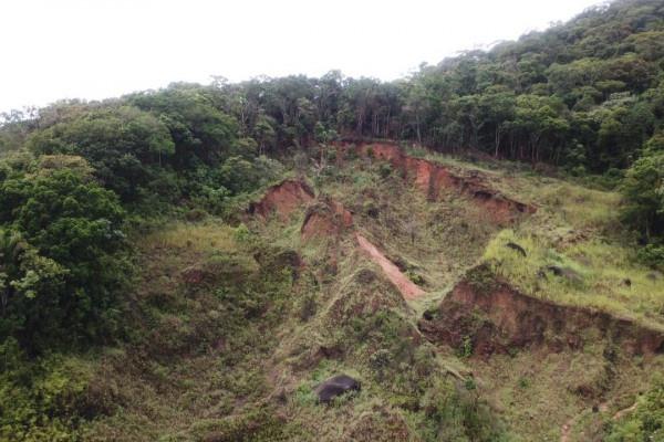 Equipes da Defesa Civil monitoram áreas de risco no Litoral