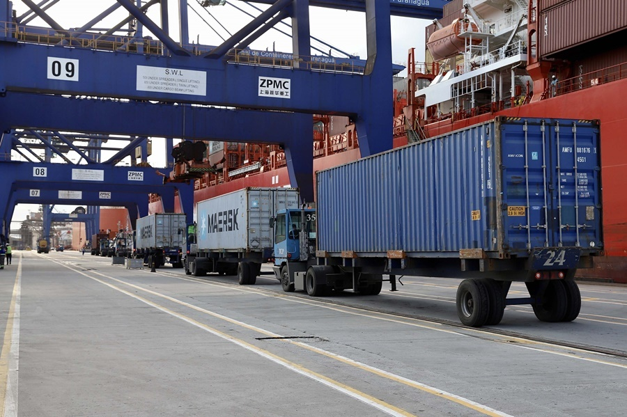 Carga em contêiner registra alta de 6% no Porto de Paranaguá