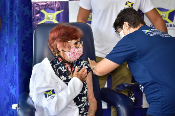 Vacinação contra a Covid-19 em Guaratuba é iniciada e terá campanha no modelo delivery