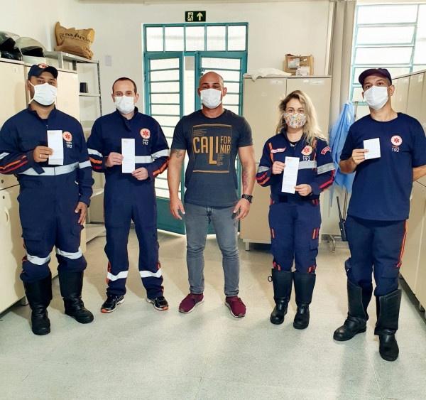 Profissionais de Saúde atuantes na Arena Albertina Salmon começam a ser vacinados