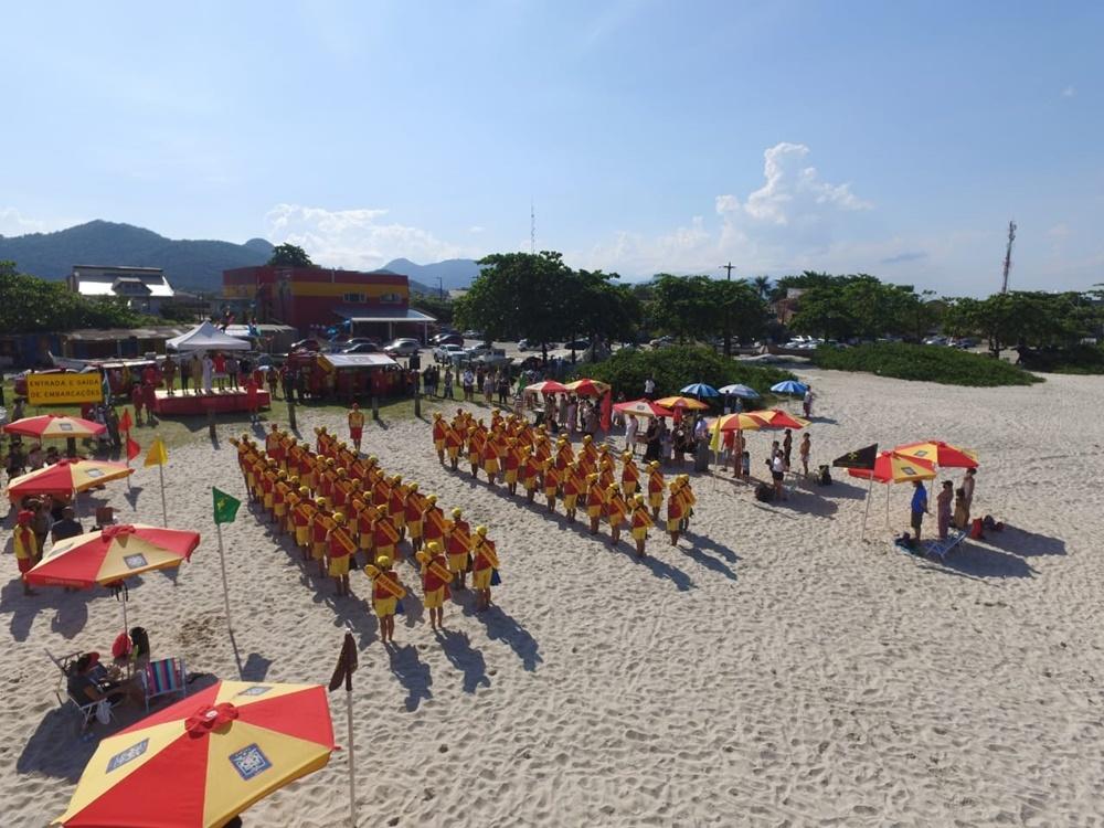 Corpo de Bombeiros realiza a formatura de Guarda-Vidas Civis Voluntários