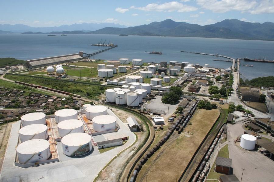 Área de granéis líquidos em Paranaguá será tema de audiência pública