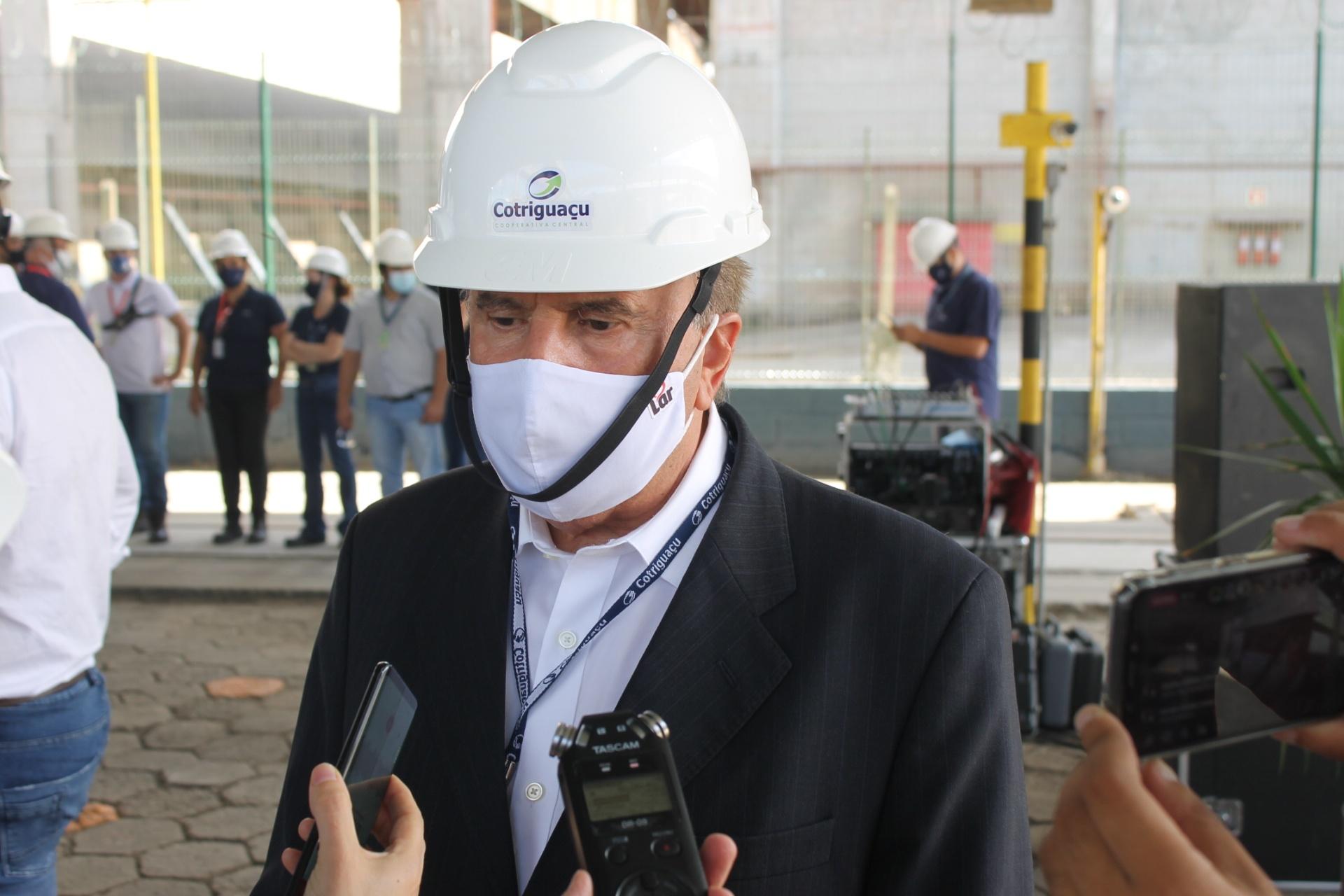 """Diretor-presidente da Cotriguaçu e da Lar Cooperativa, Irineo da Costa Rodrigues, salienta investimento na modernização e """"em tornar todas as operações da Cotriguaçu em Paranaguá mais dinâmicas e ágeis"""""""
