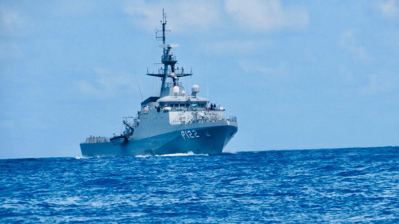 A 270 km da costa do Recife veleiro carregado com cocaína é interceptado e cinco pessoas são presas