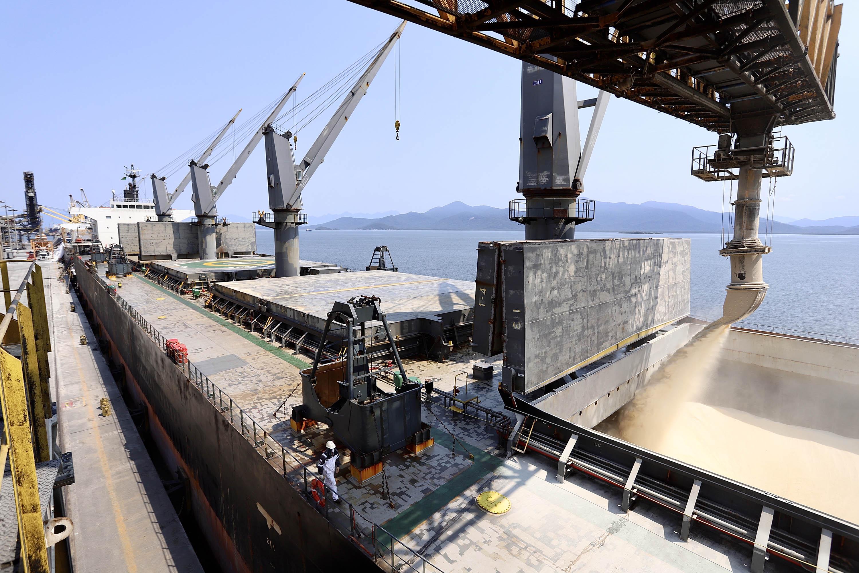 A movimentação geral dos portos do Paraná em 2020 foi de 57,34 milhões de toneladas