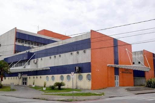 Em cinco dias, oito moradores no litoral morrem devido à Covid-19 no HRL