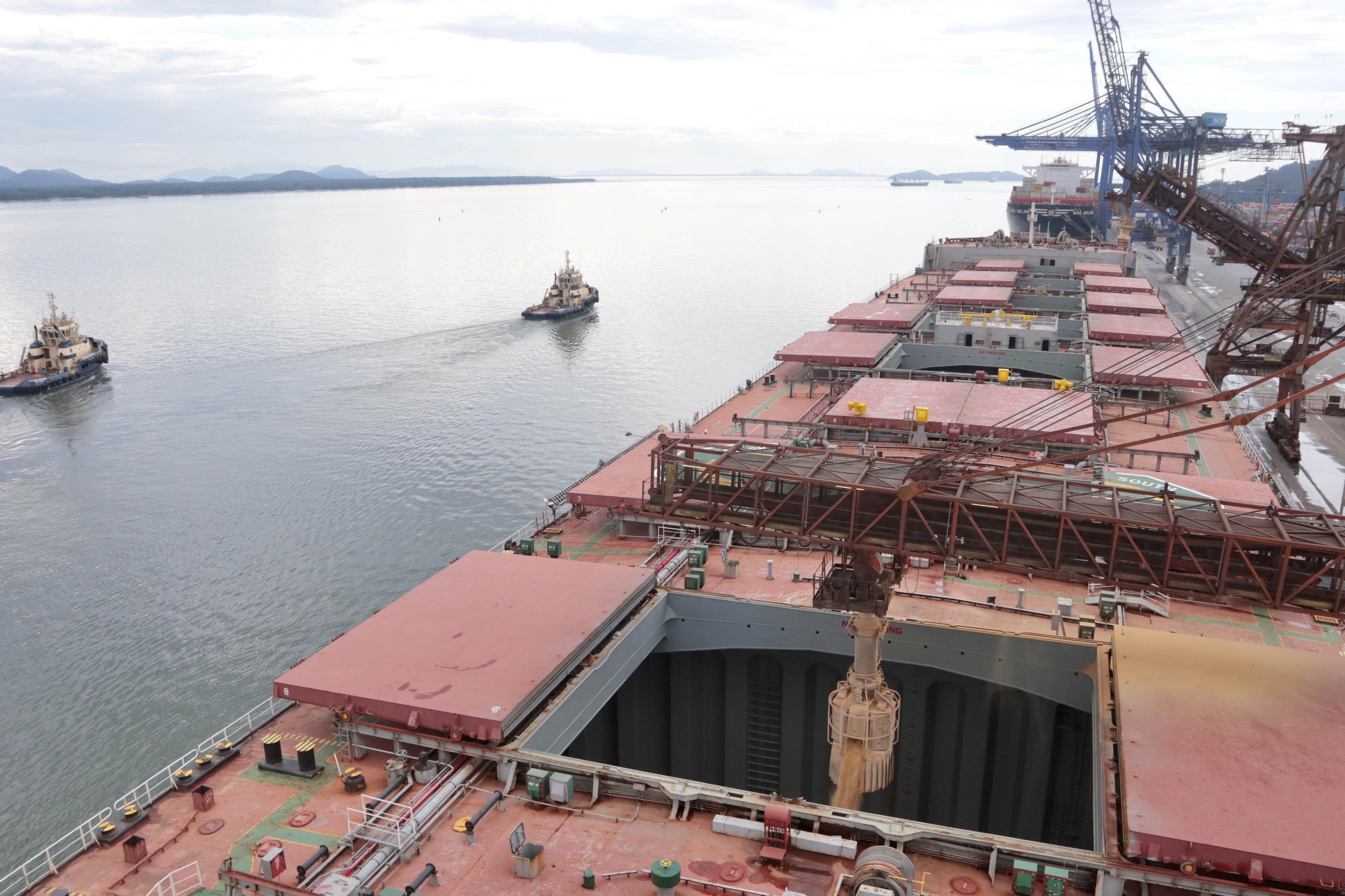 Comércio pelos portos do Paraná tem saldo positivo de US$ 6,52 bilhões
