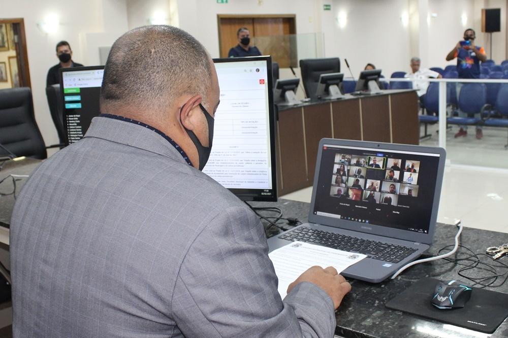 Vereadores de Paranaguá elegem membros das Comissões Permanentes