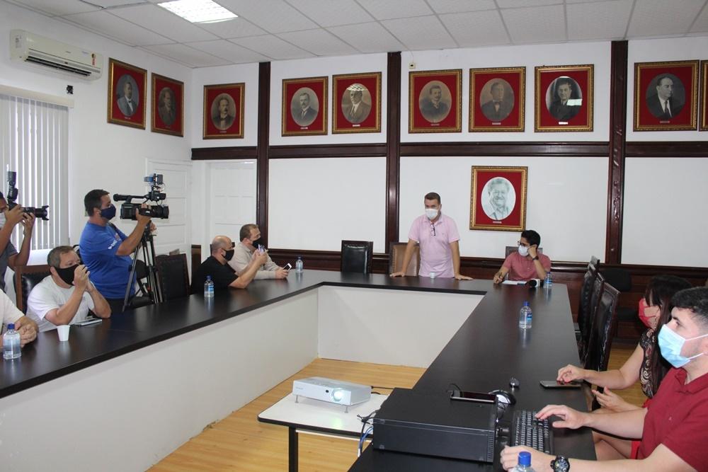 Comissão apresenta a imprensa o resultado dos estudos técnicos sobre o transporte público coletivo