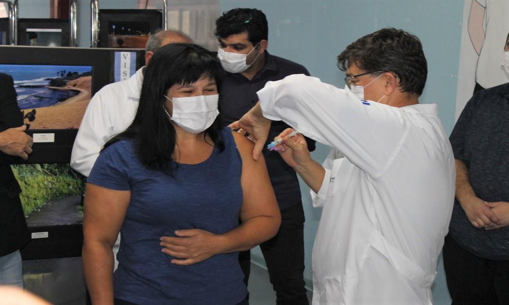 4.197 pessoas já foram vacinadas com a primeira dose no litoral