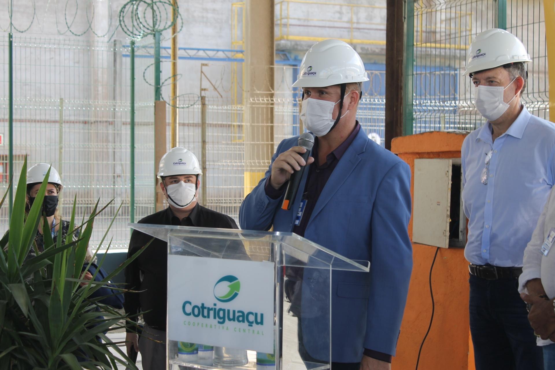 Prefeito Marcelo Roque destaca importância da Cotriguaçu para a economia de Paranaguá e que investimento deverá reduzir impacto do modal ferroviário na Avenida Coronel José Lobo
