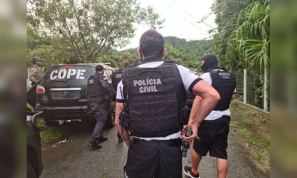 PCPR prende três suspeitos em ação contra tráfico de drogas e homicídios em Matinhos