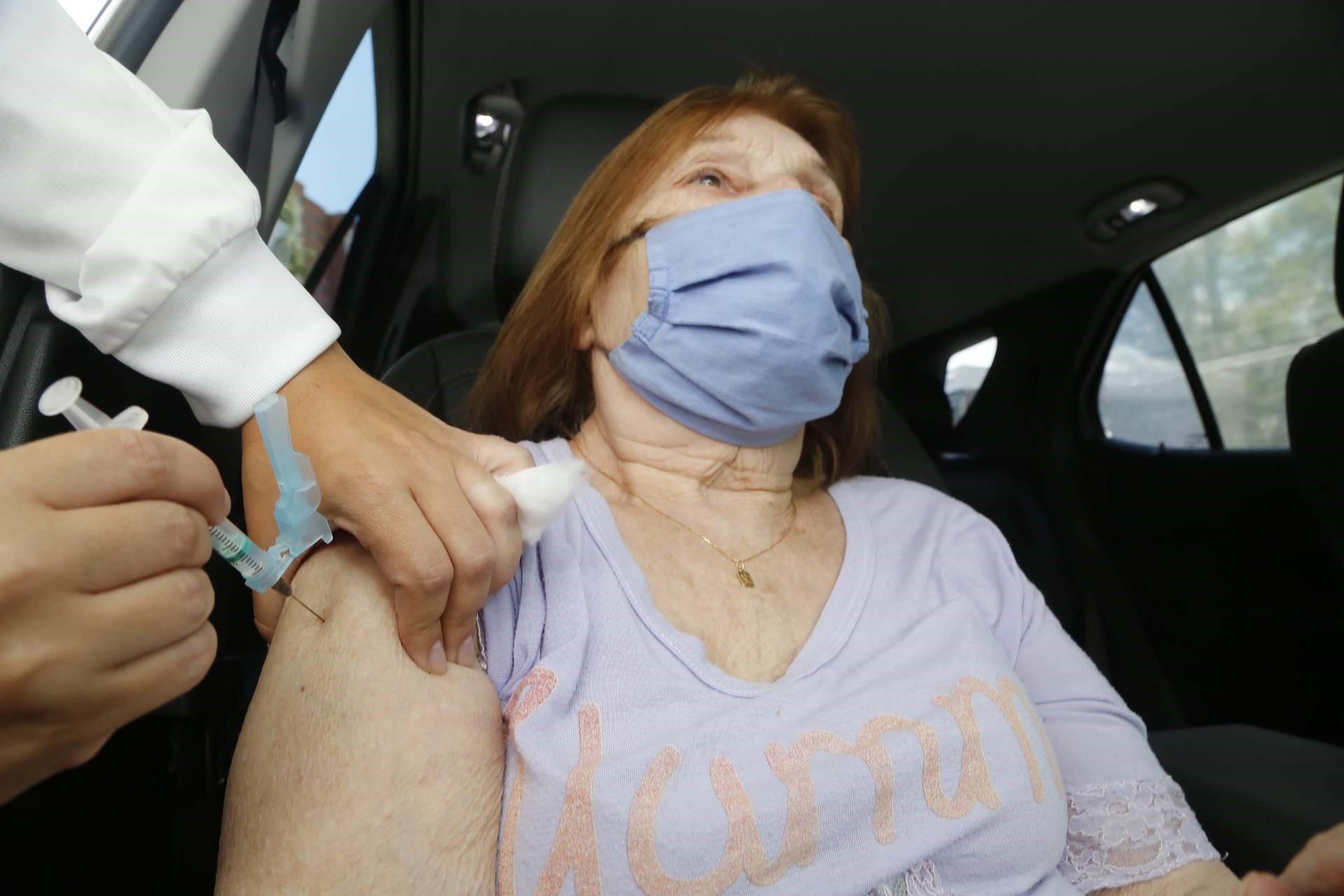 Média de aplicação das vacinas nos municípios está em pouco mais de 70%