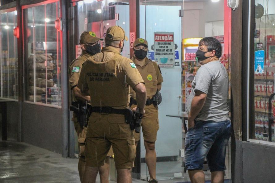 Policiais dispersaram 96 aglomerações na terça-feira