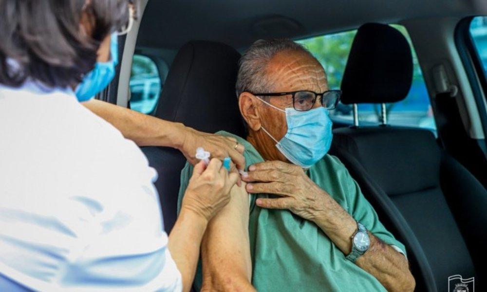 Paranaguá amplia vacinação contra a Covid-19 para idosos com até 67 anos