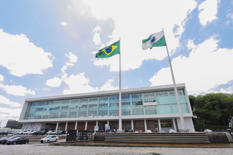 Palácio Iguaçu é fechado em função de casos de Covid-19