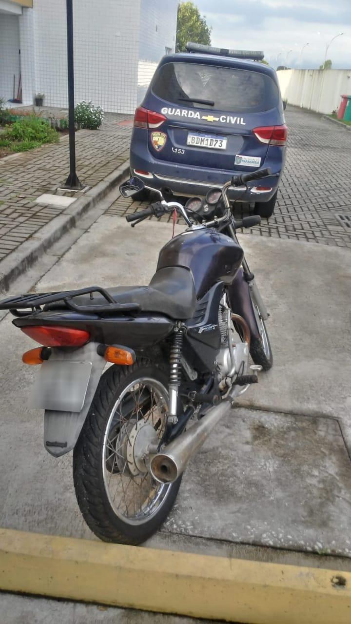 Homem é preso após furtar motocicleta na Vila São Vicente