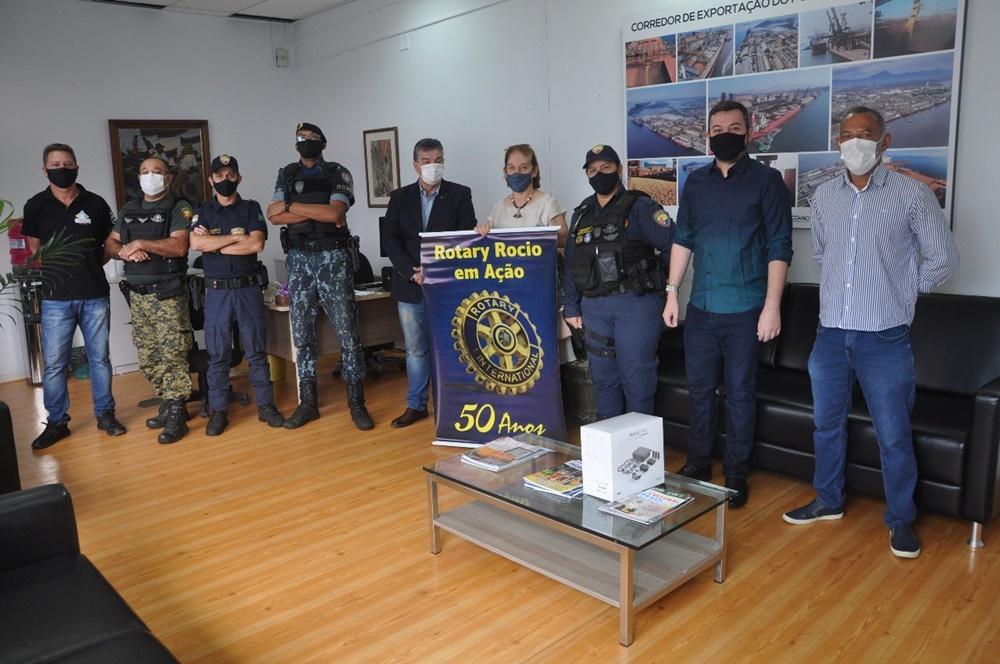 Rotary Rocio entrega drone para patrulha ambiental da GCM baseada em Alexandra
