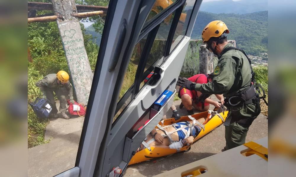 Vítima de mal súbito é resgatada no Morro do Escalvado em Matinhos